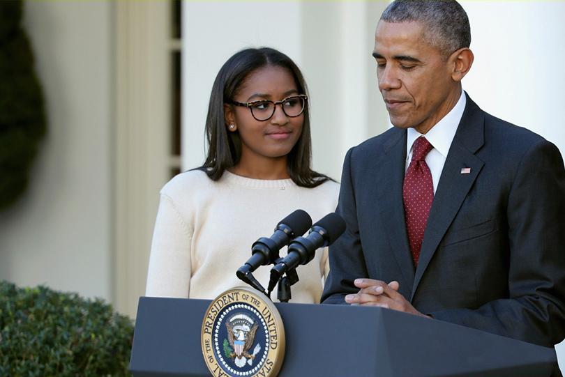 Posta Kid`s Club: Саша Обама устроилась на подработку в ресторан быстрого питания