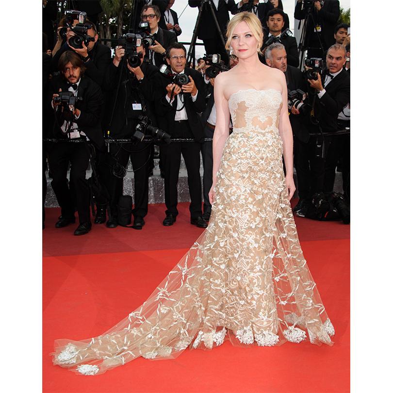 Cannes 2016: гости церемонии закрытия и победители 69-го Каннского кинофестиваля. Кирстен Данст в платье Valentino и украшениях Chopard