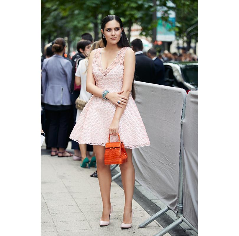 Перед показом Dior, с сумкой Rubeus Milano