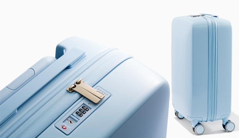 Новый год. Идея подарка: 8вещей, которые порадуют джетсеттеров. Супертехнологичный чемодан Raden A22 Carry совмещает впечатляющие дизайнерские решения с последними travel-технологиями
