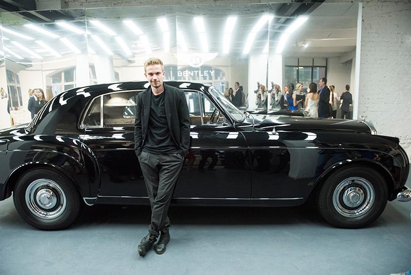 Светская хроника: премьера новых моделей Bentley на выставке Bentley. Be Extraordinary. Александр Петров