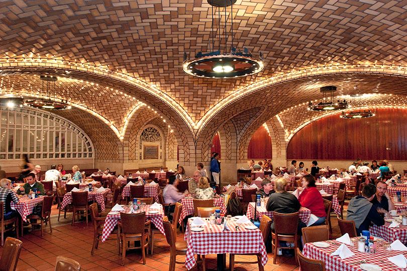 Набегу: лучшие рестораны ваэропортах инавокзалах. Grand Central Oyster Bar