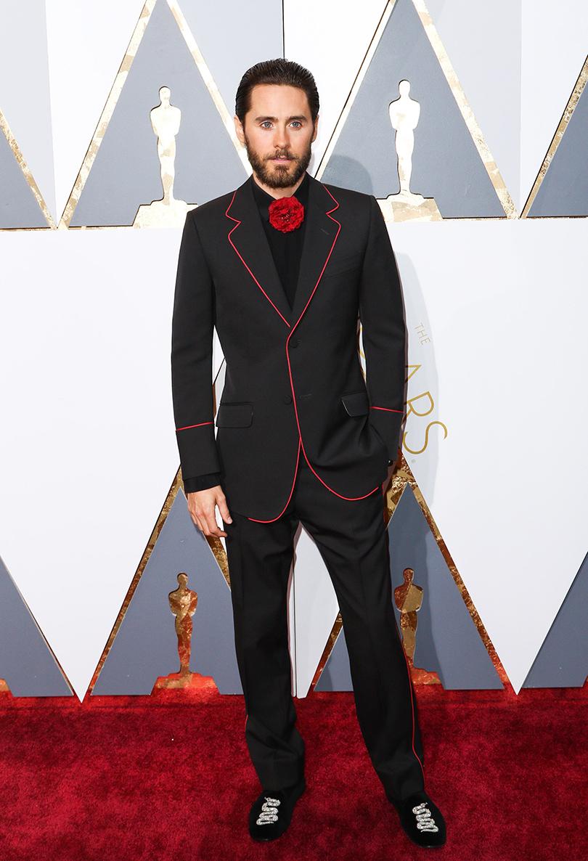 Мужские образы на церемонии награждения победителей «Оскар-2016»: Джаред Лето