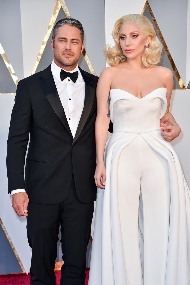 Звездные пары на церемонии вручения кинонаград «Оскар-2016»: Тейлор Кинни и Леди Гага
