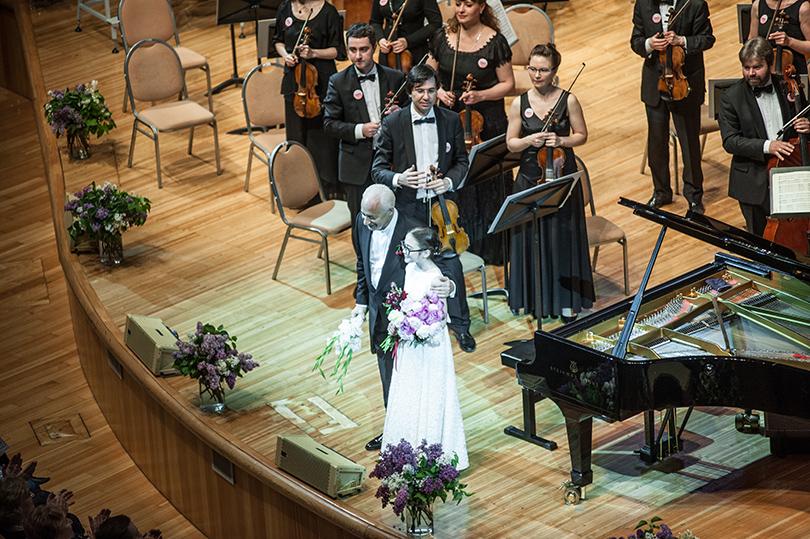 Игра пианистки Александры Стычкиной была встречена бурными овациями