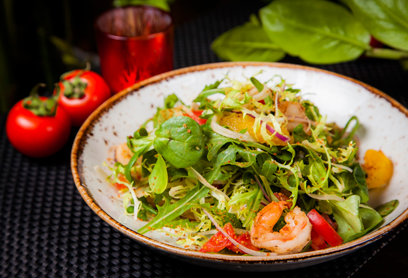 Хороший вкус с Екатериной Пугачевой: How to green и другие новинки в ресторане Roni. Салат из морепродуктов с фенхелем