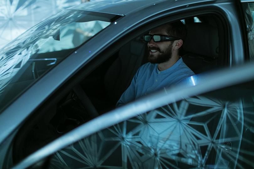 Тест-драйв в космосе с Audi в универмаге «Цветной»