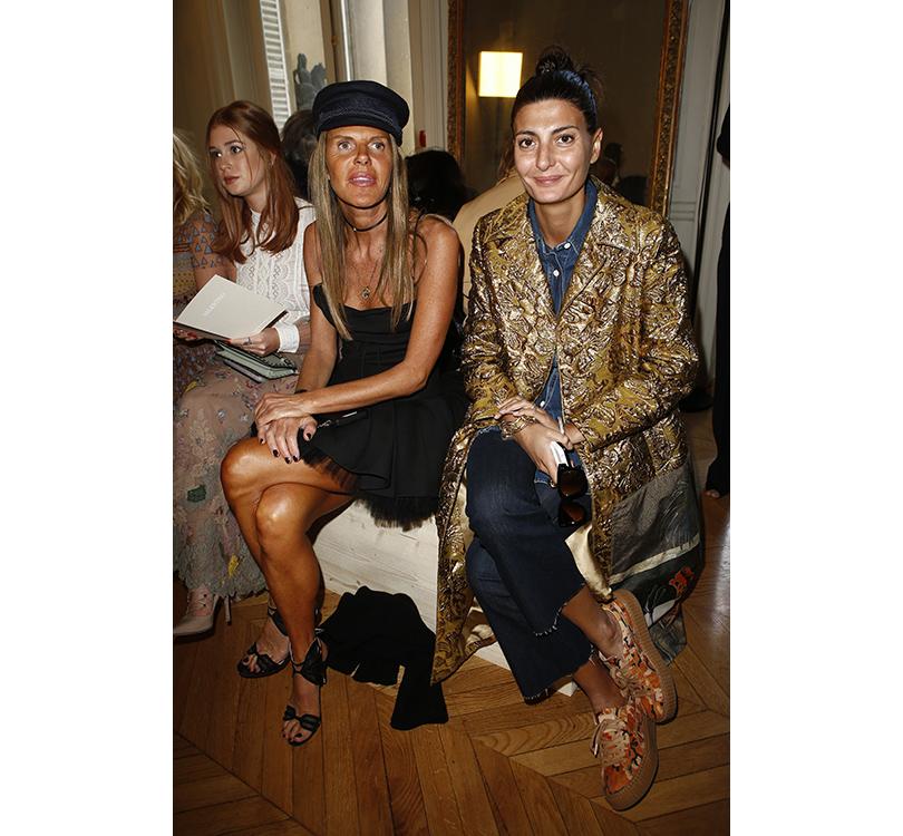 Style Notes: соло Пьерпаоло Пиччоли — весенняя коллекция Valentino. Анна Делло Руссо иДжованна Батталья
