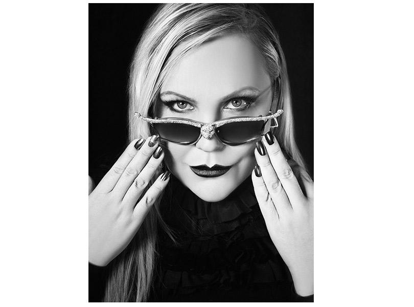 Эксклюзивное интервью с дизайнером и художником Анной-Карин Карлссон, очки и аксессуары которой носят Рианна и Леди Гага