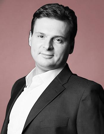 Дмитрий Викторович Ковпак, врач-психотерапевт, главный врач Центра эмоциональной коррекции, главный врач Клиники лечения депрессий ифобий, председатель Ассоциации когнитивно-поведенческой психотерапии