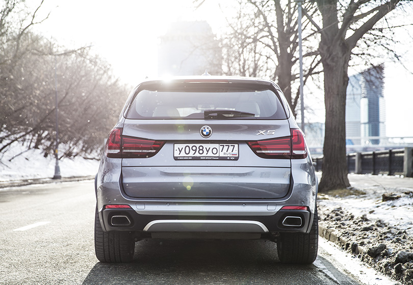 Cars with Jan Coomans. Hybrid SUV: The BMW X5 40e reviewed