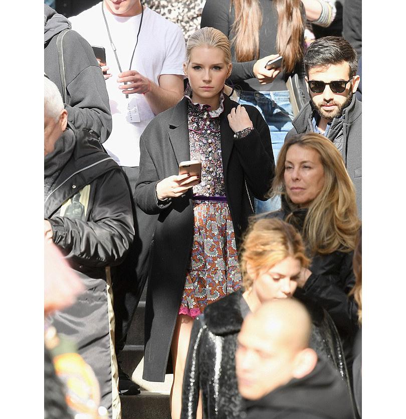 Style Notes: показ Marc Jacobs в Нью-Йорке. Лотти Мосс