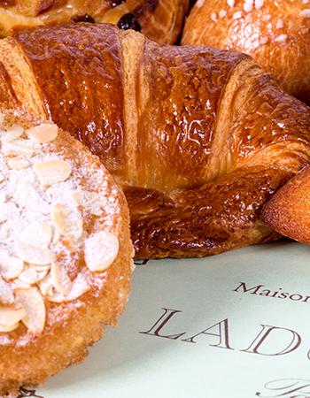 Сутра пораньше: топ-5 новых завтраков вМоскве. Ladurée. Выпечка