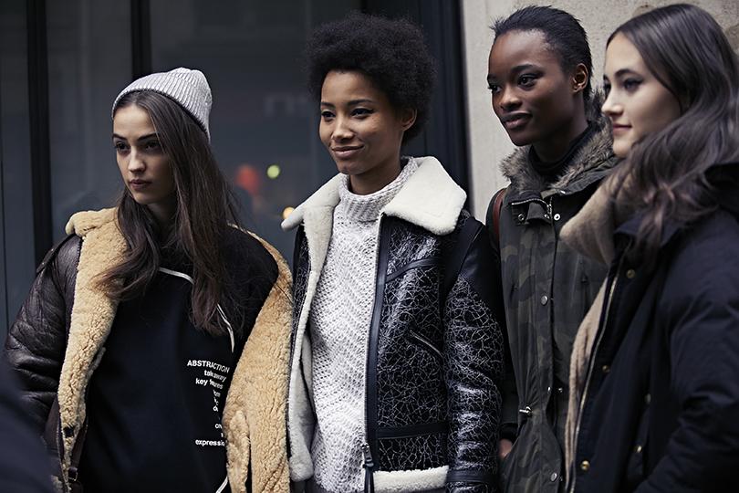 Street Style: эксклюзивные фотографии стретьего дня Недели Haute Couture вПариже вобъективе ИноКо. Линейси Монтеро