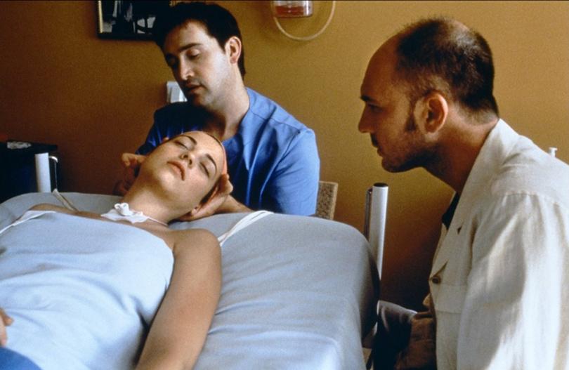 Хавьер Камара иЛеонор Уотлинг в«Поговори сней» (2002г.)
