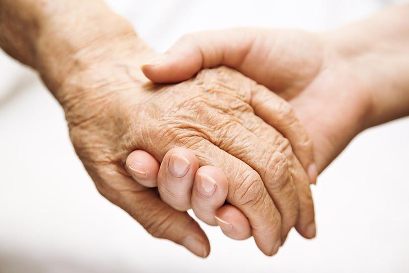 Старикам здесь неместо: естьли жизнь напенсии?