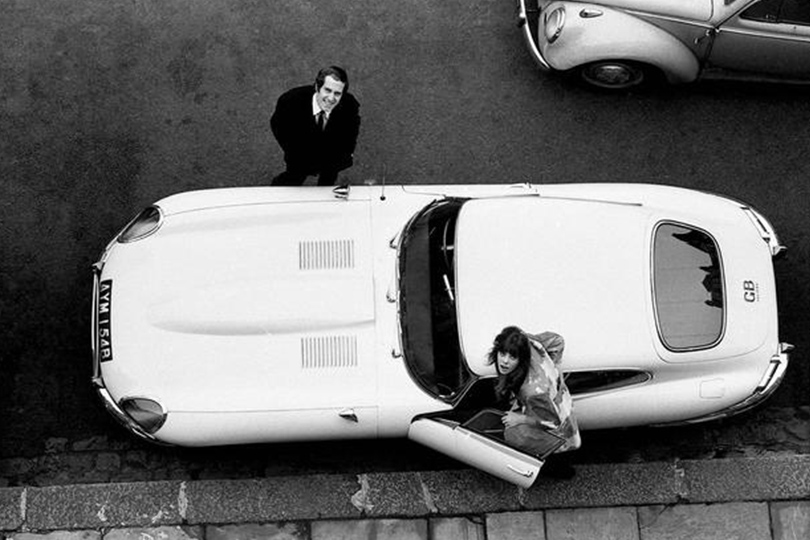 Кабриолеты Jaguar: любовь навсегда. Джон Барри и Джейн Биркин
