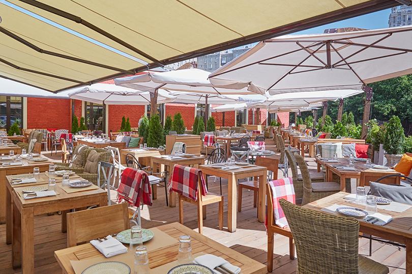 Выходные вгороде: летние веранды московских ресторанов. «Сыроварня»