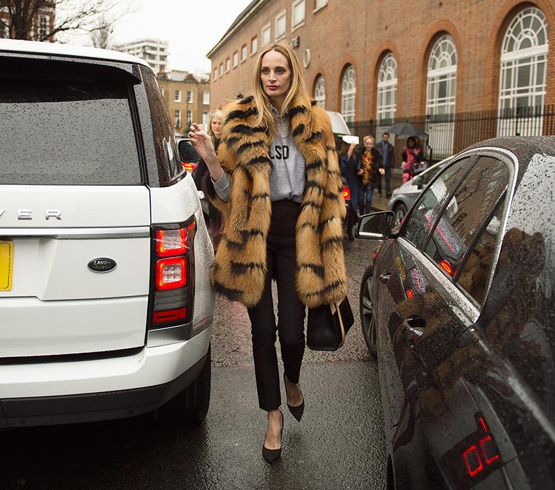 Лучшие образы street style на Неделе моды в Милане: Лорен Санто Доминго (Moda Operandi)