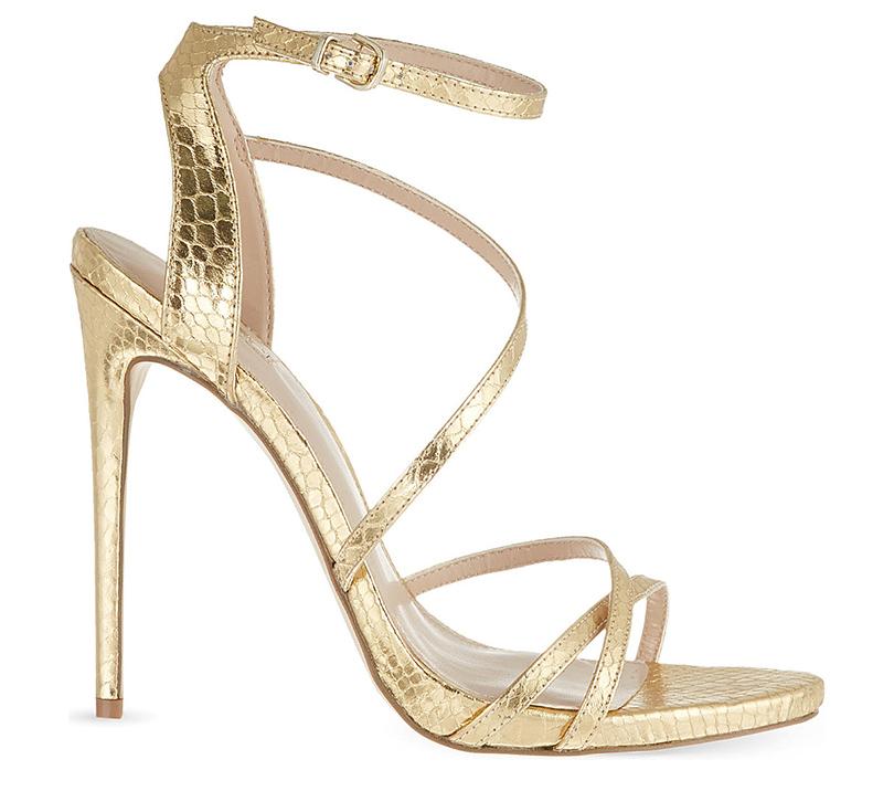 Новый год. Дресс-код: 28лучших пар обуви для новогодней вечеринки. Золотые стилеты Carvela изкожи «под змею»