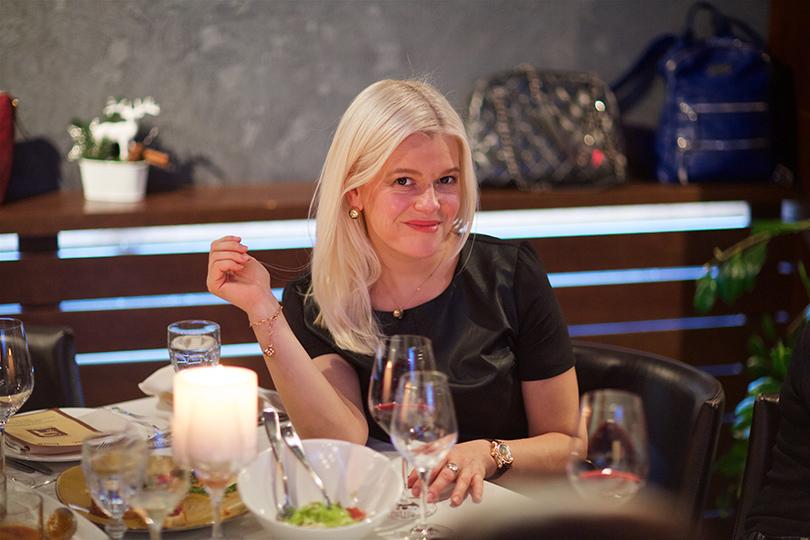 Posta Beauty Club: закрытый ужин вресторане «18.12» содним излучших пластических хирургов мира Сидни Оана