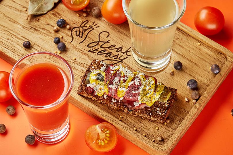 Как в ресторанах Москвы готовятся отмечать 23 февраля. Steak ItEasy