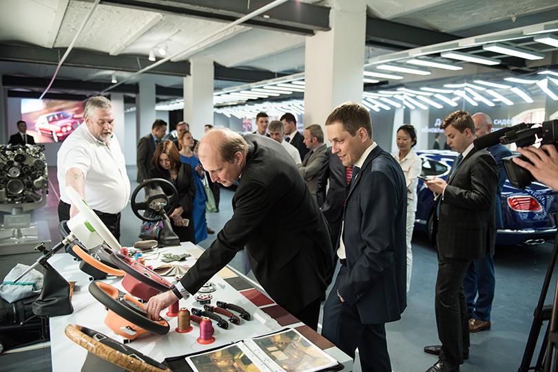 Светская хроника: премьера новых моделей Bentley на выставке Bentley. Be Extraordinary. Маркус Озегович (Volkswagen Group Rus)