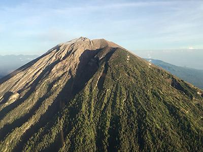 #postatravelnotes Бали— прекрасный иразный: продюсер Дмитрий Дудинский делится формулой идеального отдыха. Экскурсия клегендарному вулкану Агунг