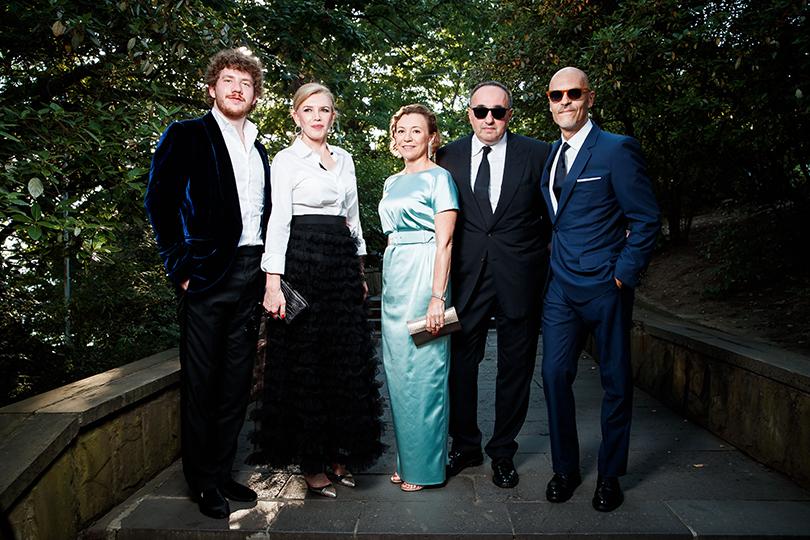 Марианна Сардарова с сыном Ратмиром, Валерия и Александр Роднянские и Федор Бондарчук