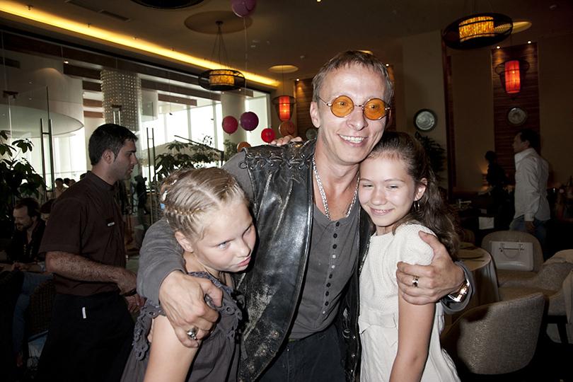Иван Охлобыстин с дочерьми