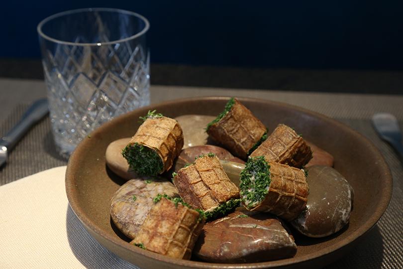 Хороший вкус с Екатериной Пугачевой: современная русская кухня по-питерски в ресторане «КоКоКо». Мини-трубочки из ржаной муки