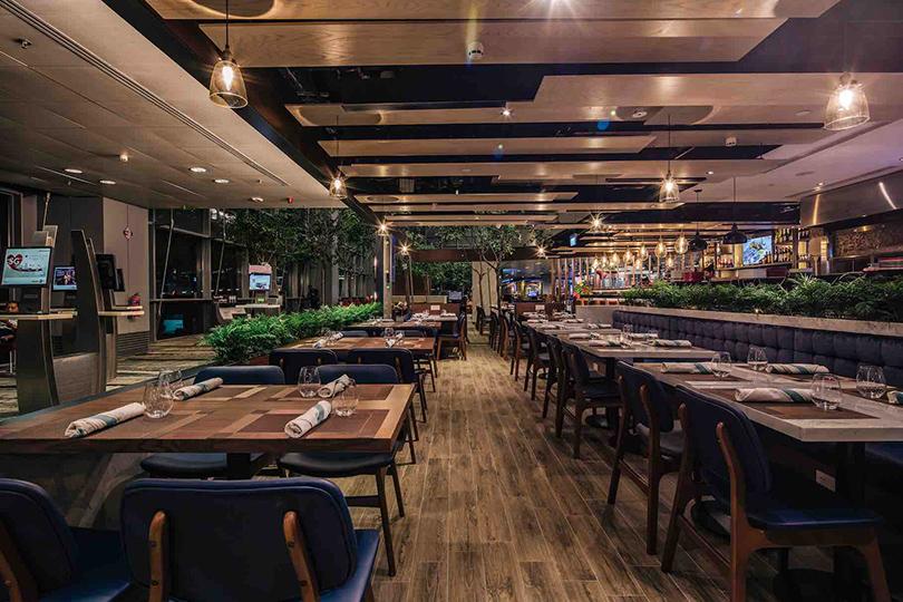 Набегу: лучшие рестораны ваэропортах инавокзалах.