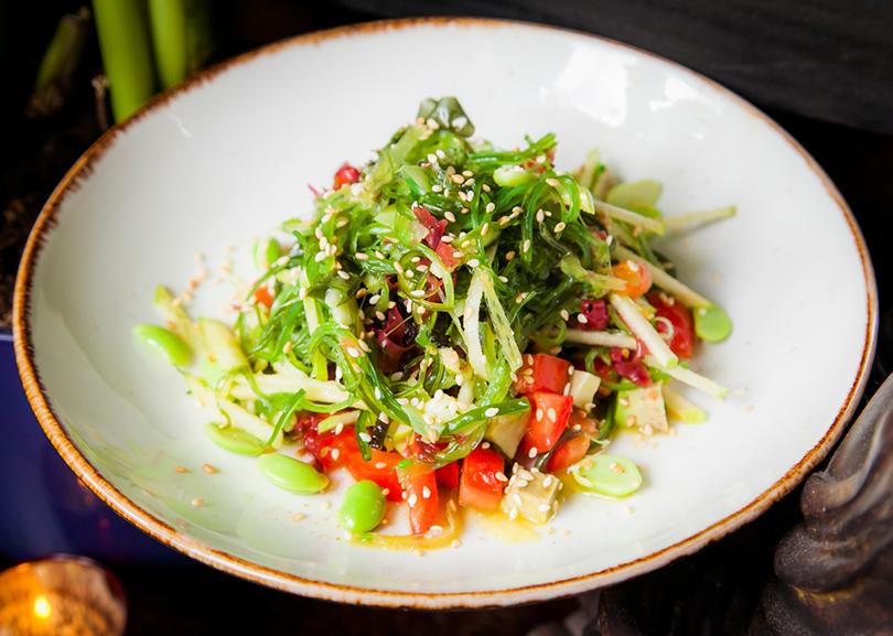 Хороший вкус с Екатериной Пугачевой: How to green и другие новинки в ресторане Roni. Салат из морских водорослей с авокадо