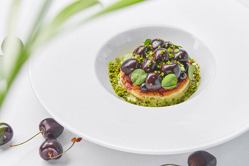 «Белуга»: Десертный тартар изподкопчённой вишни