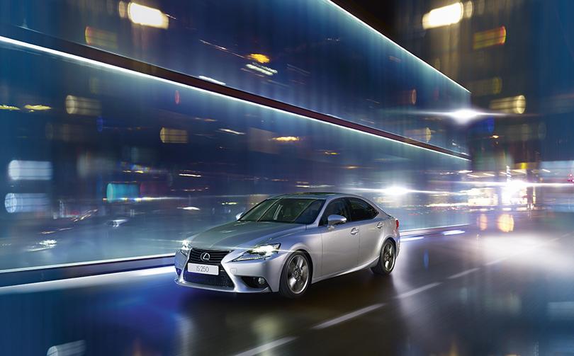 КиноТеатр: будущее где-то рядом. Автомобили икосмические корабли Lexus вкино. Lexus IS 250