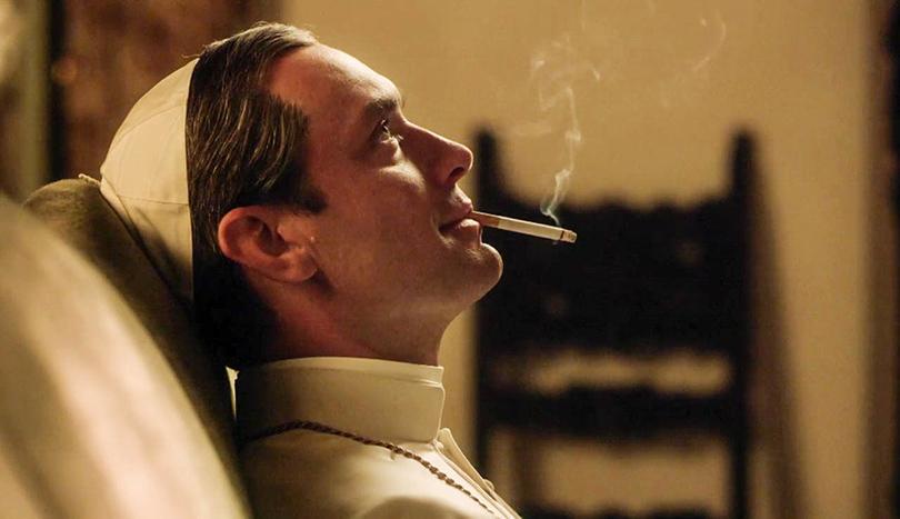 КиноТеатр: 13 самых ожидаемых фильмов Венецианского кинофестиваля. «Молодой Папа»