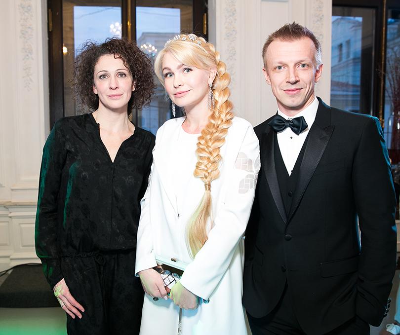 Ксения Раппопорт, Наталия Гарт и ведущий вечера Антон Комолов
