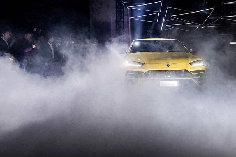 Российская премьера первого вмире супер-SUV— Lamborghini SSUV Urus