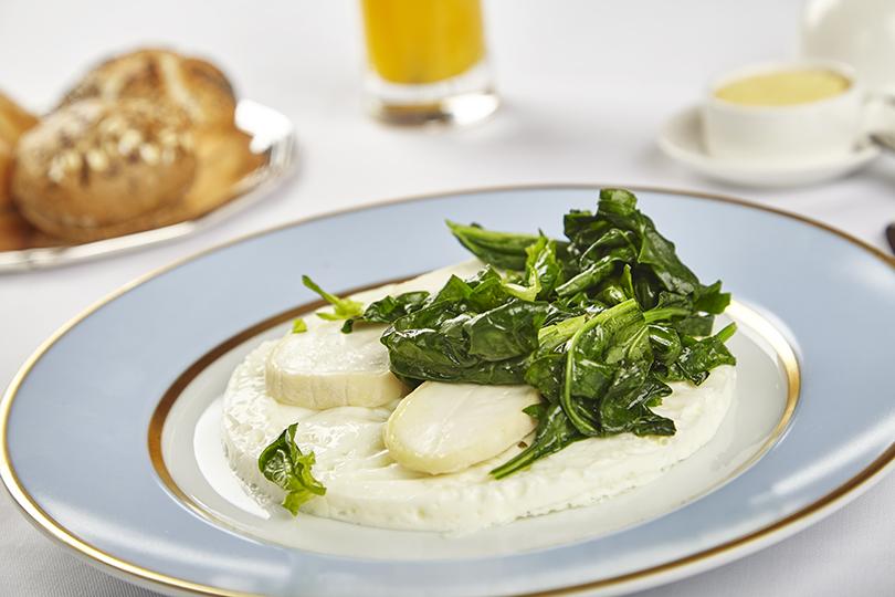 Сутра пораньше: топ-5 новых завтраков вМоскве. Ladurée. Белый омлет Ladurée