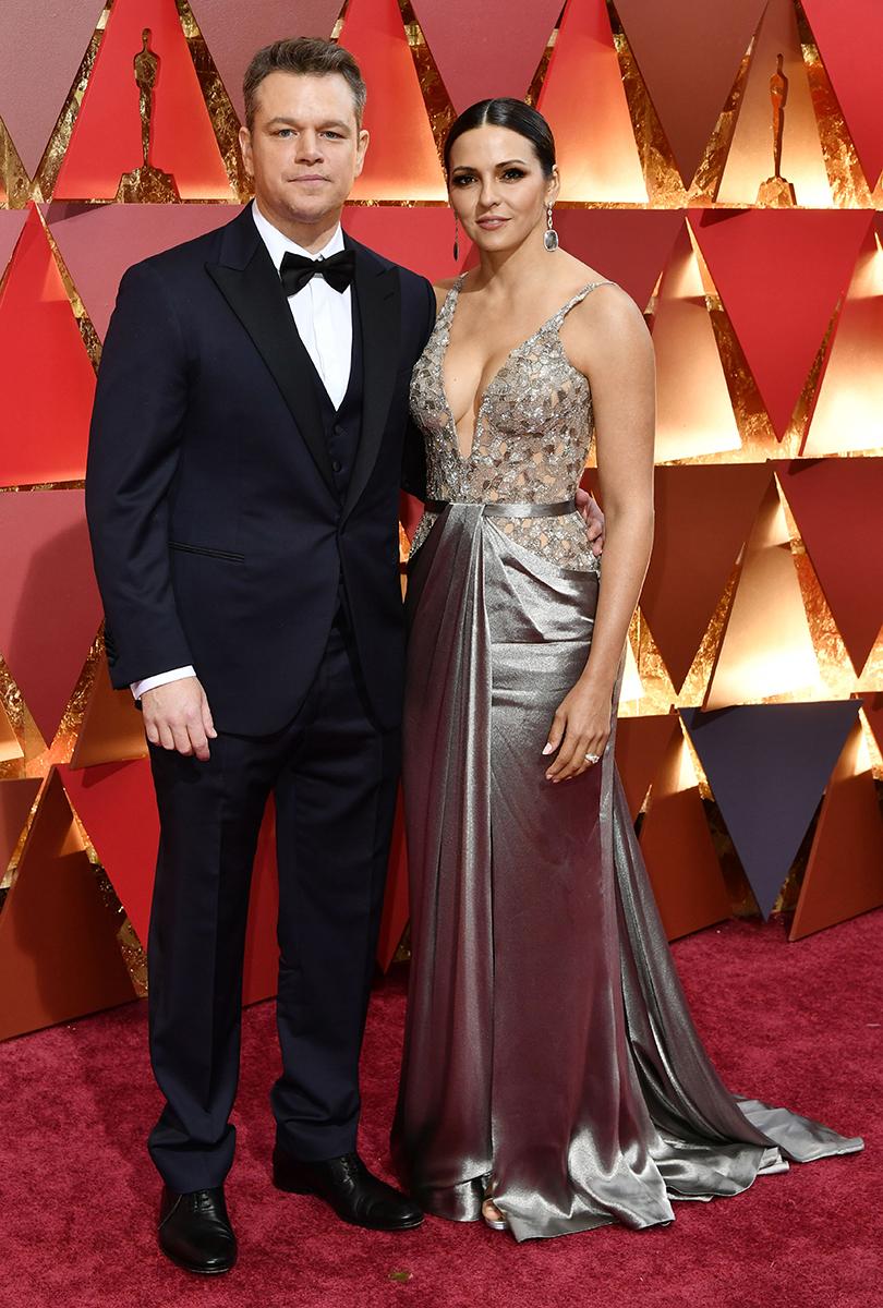 Oscars Special 2017: образы звезд на красной ковровой дорожке церемонии «Оскар». Мэтт Деймон с супругой Люсианой Барросо