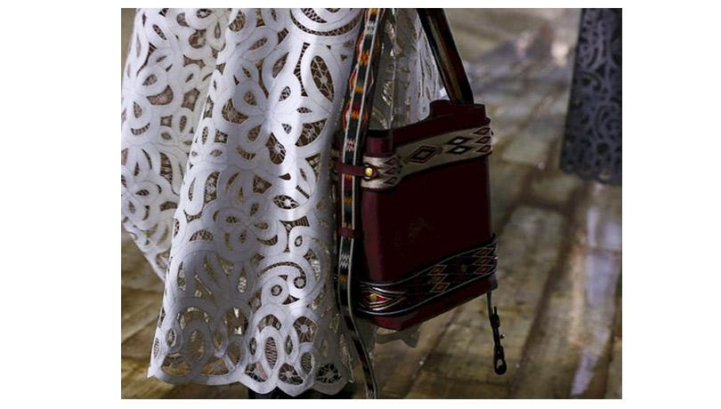Дождь над Шантийи: Мария Грация Кьюри представила круизную коллекцию Dior