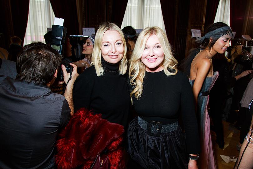 Vanity Fair с Марией Лобановой: Yanina Couture на Неделе высокой моды в Париже. Виктория Давыдова и другие гости показа. Виктория Давыдова и Юлия Янина