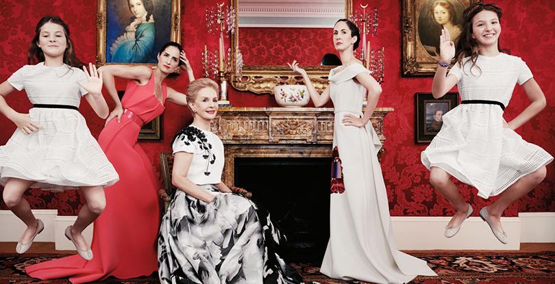 Women in Power: Каролина Эррера — 35 лет в модной индустрии. Каролина Эррера с дочерьми, Патрисией Лансинг и Каролиной Эреррой де Баэс и внучками