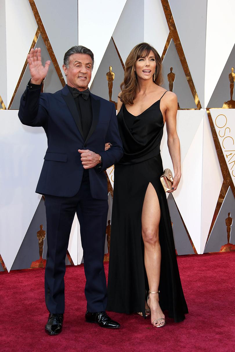 Звездные пары на церемонии вручения кинонаград «Оскар-2016»: Сильвестр Сталлоне и Дженнифер Флавин