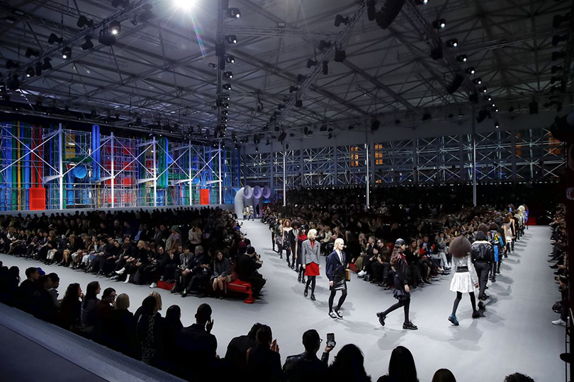 Космические доспехи и 1980-е на показе Louis Vuitton в Париже