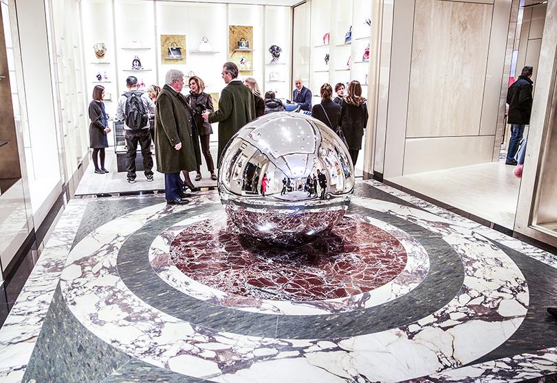 Не так давно в Риме в отреставрированном здании Palazzo Fendi открыли The Fendi Private Suites — первый отель бренда в мире