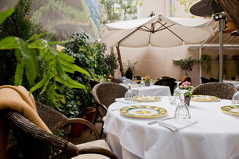 Выходные вгороде: летние веранды московских ресторанов. Cantinetta Antinori