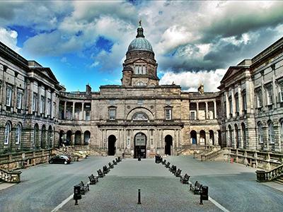 Пиппа. Образование: Эдинбургский университет