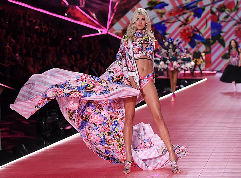 Как прошло шоу Victoria's Secret 2018: все самое интересное о главном показе осени. Девон Виндзор