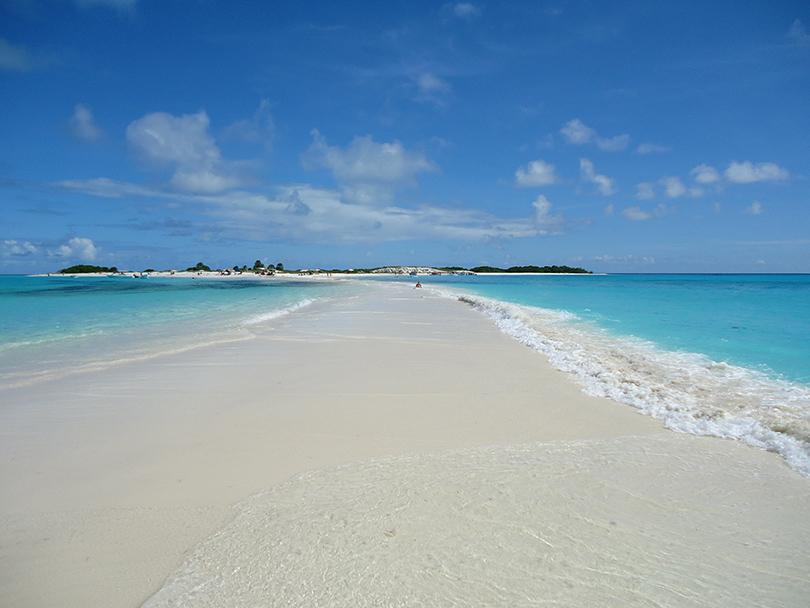 Венесуэльский пляж Cayo de Agua, расположенному прямо в национальном парке Лос-Рокес